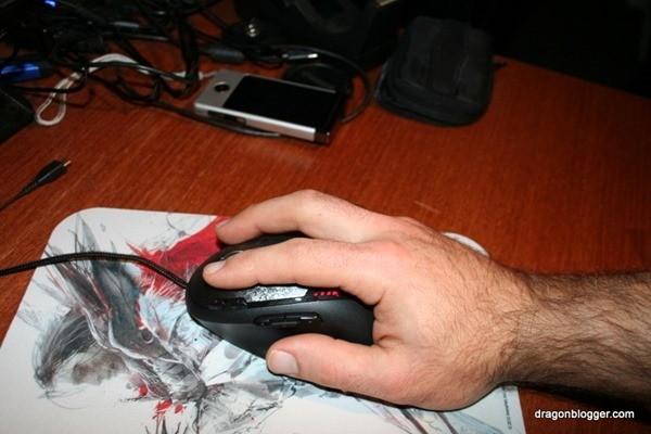 logitech g500 hand