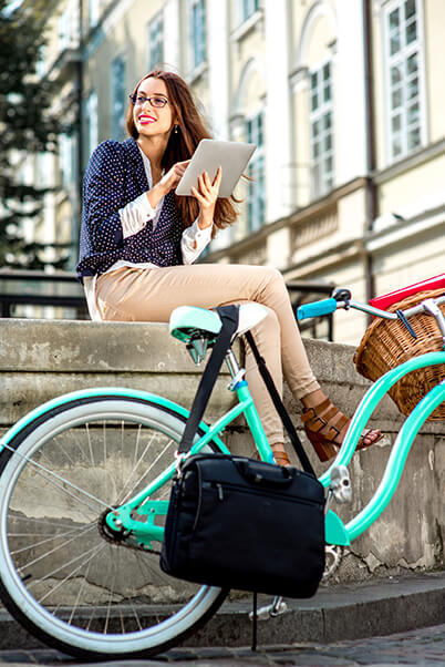 The bicycling woman and her tablet.