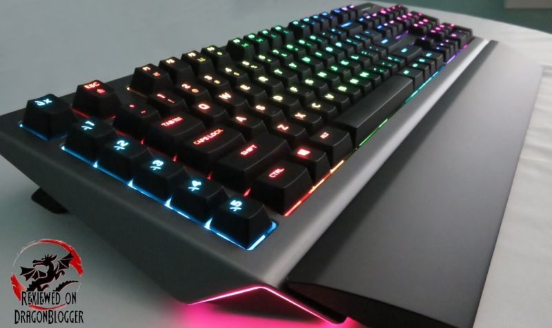 318fd77c92e Here is the keyboard with the wrist rest attached, the AW168. The Alienware  Pro Gaming Mechanical Keyboard is connected and lit up like a rainbow.